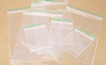 Biodegradable-and-reclosable-poly-bags-